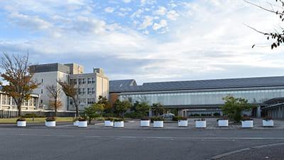 石川県立大学 校舎